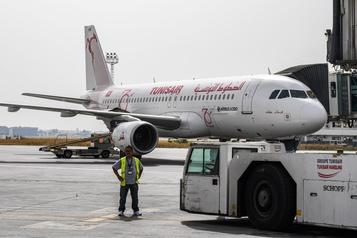 Les premiers vols commerciaux arrivent en Tunisie)