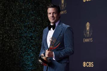 Emmy Awards Coup du chapeau pour Ted Lasso, The Crown vise le titre)