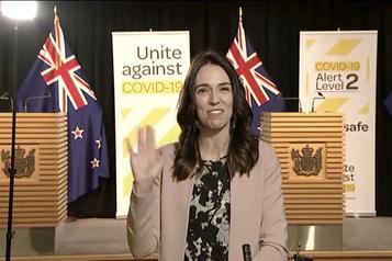 Nouvelle-Zélande: la première ministre stoïque pendant un séisme en direct)