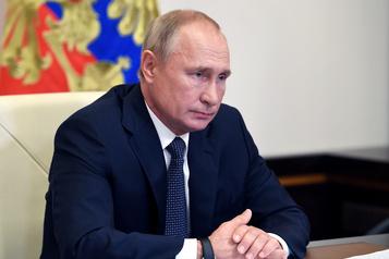 La Russie dit avoir inventé un vaccin contre la COVID-19)