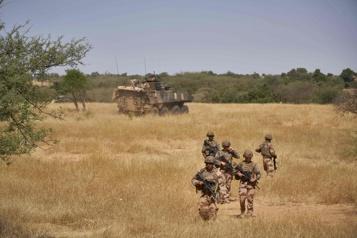 Attaque islamiste au Burkina Six morts dans l'explosion d'une mine contre une ambulance)