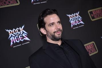 L'acteur de Broadway Nick Cordero a succombé à la COVID-19)