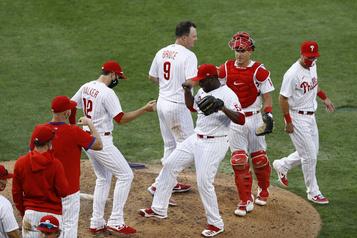 Les Phillies écrasent les Yankees11-7)