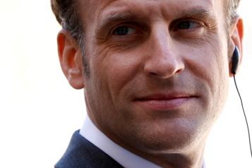 Sondage en France  La cote de Macron remonte (un peu))