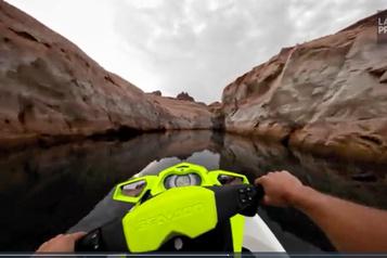 En motomarine dans un canyon, comme dans StarWars)
