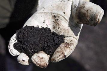 Le bitume des sables bitumineux sous les 4$US