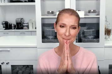 Céline Dion rend hommage aux «héros» qui luttent contre le coronavirus)