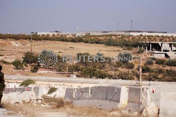 Syrie Des forces turques évacuent une position encerclée par le régime)