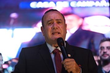 Le président élu du Guatemala exige du «respect» de la part de Donald Trump