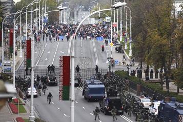 Biélorussie L'opposition manifeste au dernier jour de l'ultimatum avant la grève générale)