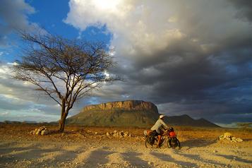 Conférence: 21000km sur la piste des nomades
