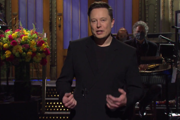 Elon Musk révèle qu'il est atteint du syndrome d'Asperger à SNL)