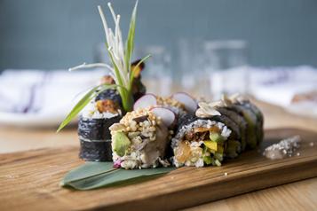 Sushi Momo, CasaKaizen, Nopalito etlasuite)