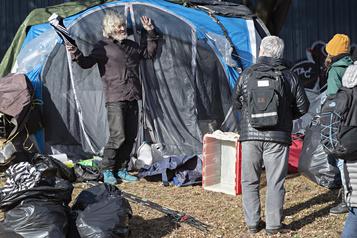 Campement Notre-Dame Les sans-abri invités à se déplacer)