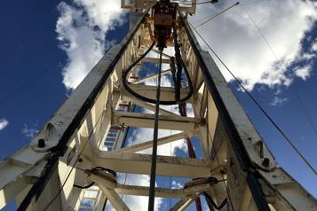 Le pétrole profite des stocks américains, mais les marchés restent prudents)