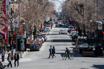 Moins de cases de stationnement, moins de commerces vacants