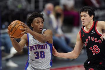 Les Pistons l'emportent 118-104 contre les Raptors)