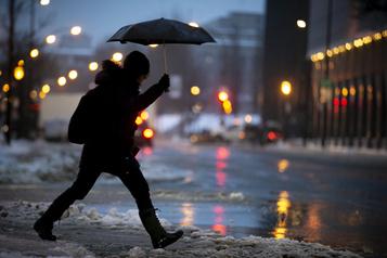 Pluie verglaçante et écoles fermées dans plusieurs régions du Québec