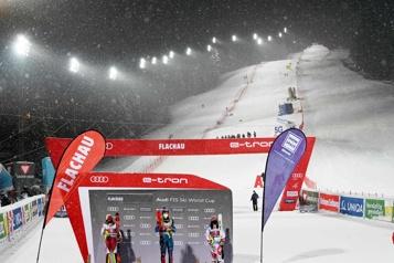 La COVID-19 chamboule la saison de ski alpin)