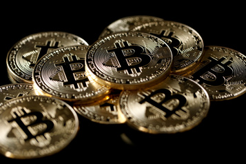 Le bitcoin chute Elon Musk s'interroge, Janet Yellen s'inquiète)