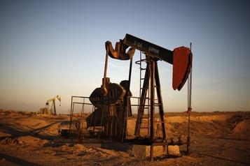Le pétrole termine la semaine en baisse)