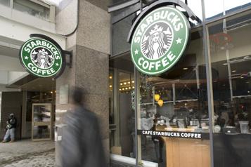 Starbucks Canada offre des congés de maladie payés)