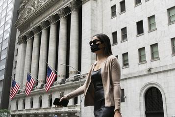 Wall Street démarre la semaine sur les chapeaux de roues)