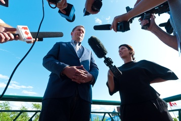 Scheer veut une enquête criminelle sur Trudeau