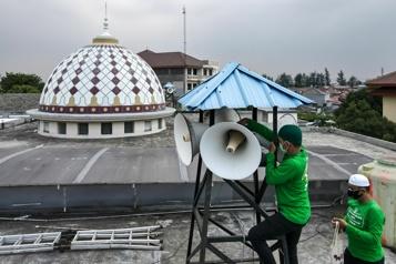 Appels à la prière bruyants L'Indonésie s'attaque à un sujet hautement inflammable