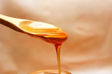 Un homme détenu 82 jours pour avoir ramené du miel aux États-Unis