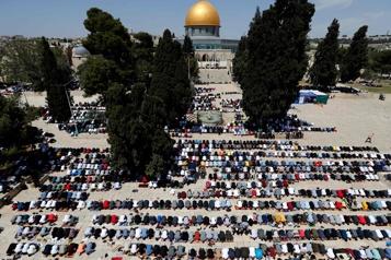 Jérusalem Le plus grand rassemblement sur l'esplanade des Mosquées depuis la COVID-19)