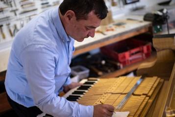 Luigi Borgato, facteur de pianos, un métier d'art menacé d'extinction)