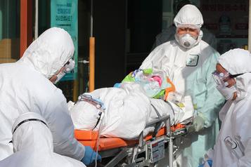 Coronavirus: inquiétude de l'OMS, l'Italie ferme des lieux publics