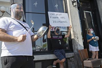 Manifestation de restaurateurs dans le Vieux-Montréal)
