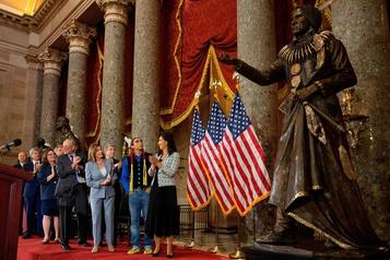 Le Congrès honore un chef amérindien, «héros» des droits civiques