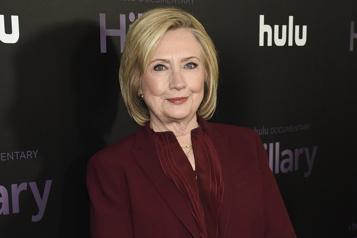 Hillary Clinton écrit un polar avec Louise Penny)