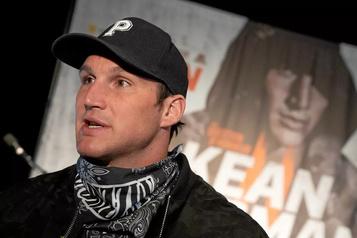 Le retour du boxeur trifluvien Simon Kean est repousé d'un mois )