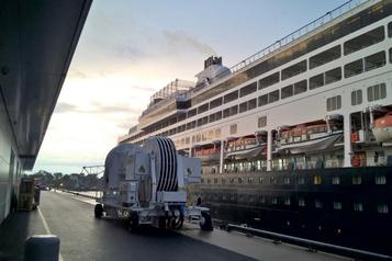 Système d'alimentation électrique: un seul navire s'est branché aux installations