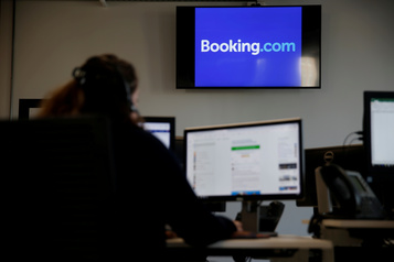 Booking.com va licencier un quart de ses effectifs)