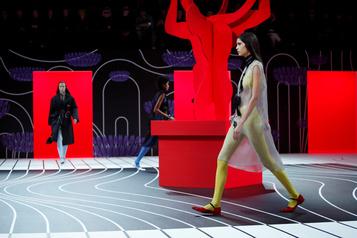 Une mode surréaliste pour Prada, une inspiration marine pour Max Mara à Milan