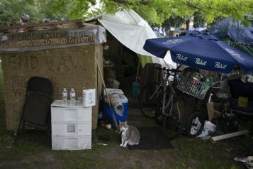 Toronto démantèle un campement de sans-abri)