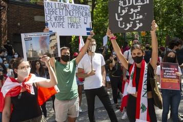 Montréal: des manifestants demandent l'expulsion des diplomates libanais )