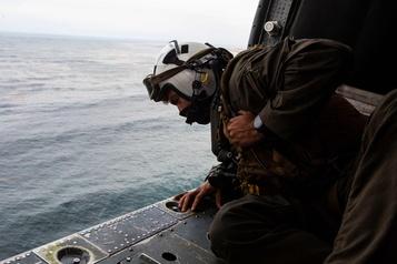 Fin des recherches pour retrouver huit militaires au large de la Californie)