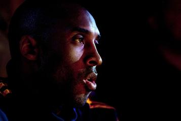 Temple de la renommée du basketball Kobe Bryant sera intronisé à titre posthume en mai2021)