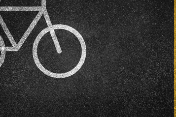 Rue Saint-Denis: pour ou contre le Réseau express vélo? )