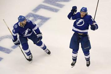 Le Lightning remporte un match historique! )