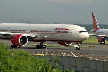 Variant indien Les Émirats vont suspendre les vols en provenance d'Inde)