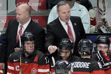 Dave Lowry se joint au personnel des Jets de Winnipeg)