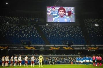 Le stade de Naples rebaptisé Diego Armando Maradona)