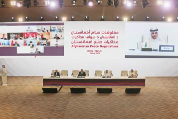 Première journée de pourparlers historiques sur l'Afghanistan au Qatar)